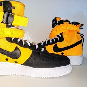Nike SF Air Force 1 Men's Yellow high top boot